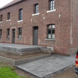 Création de par terre en bordures et terrasse en béton imprimé